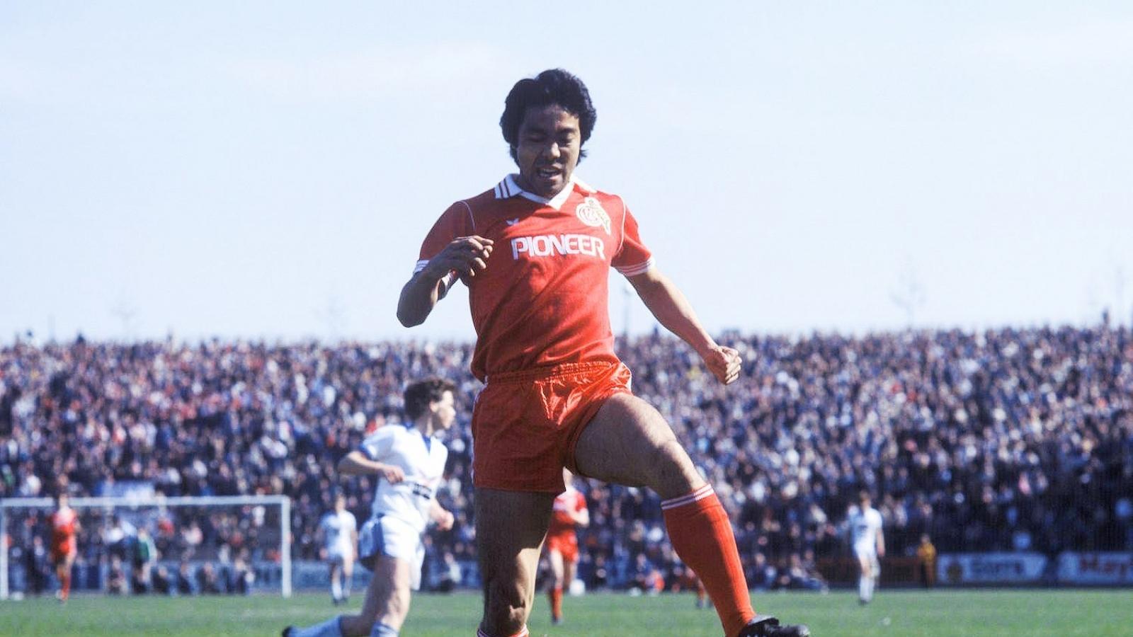 Ngày này năm xưa: Bóng đá Nhật Bản có cầu thủ đầu tiên thi đấu ở châu Âu
