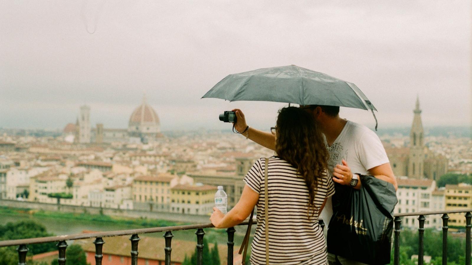 Kinh nghiệm hữu ích cho chuyến du lịch mùa mưa bão