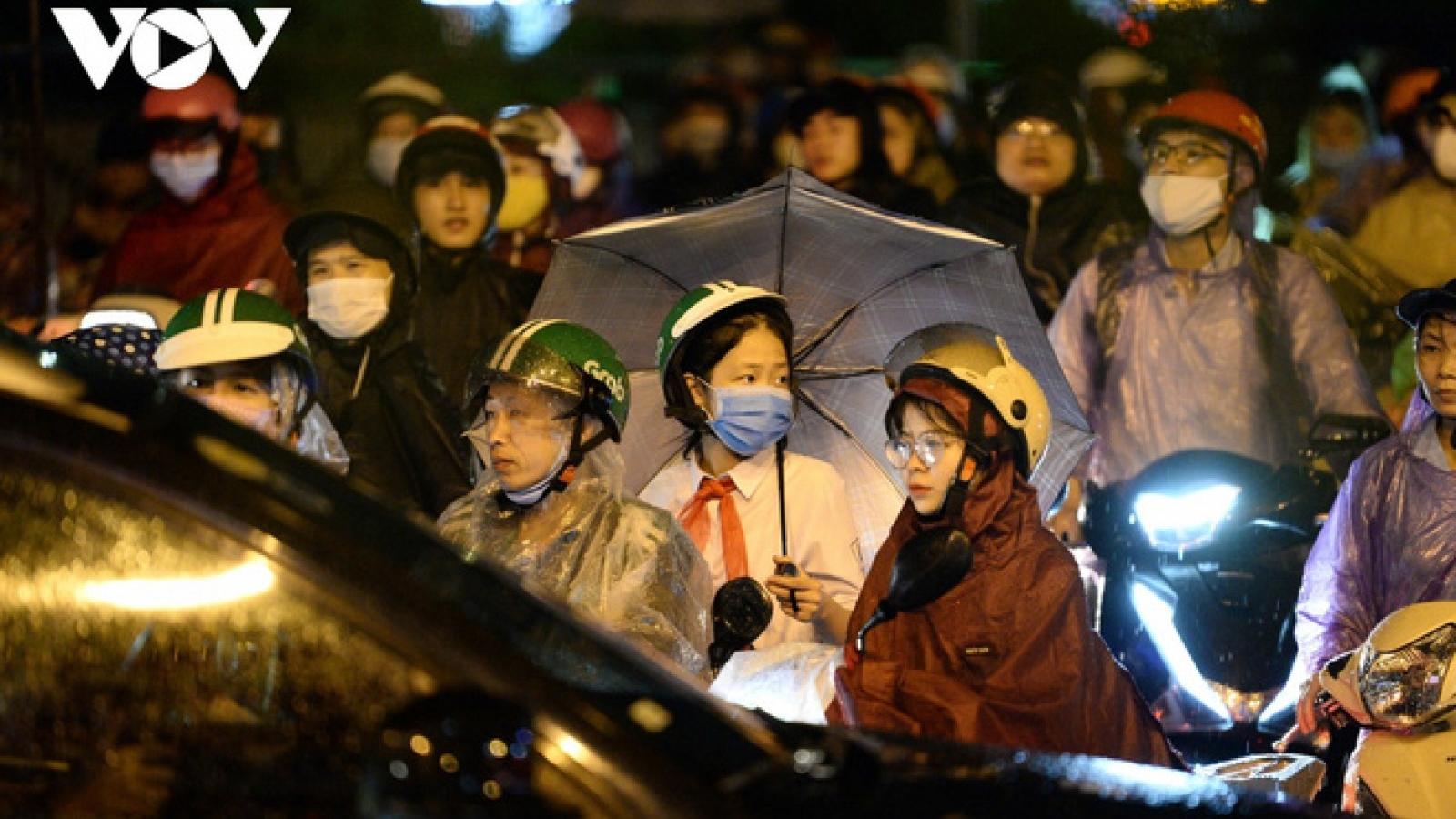 Dự báo thời tiết hôm nay (2/10): Hà Nội có mưa dông, lốc, sét