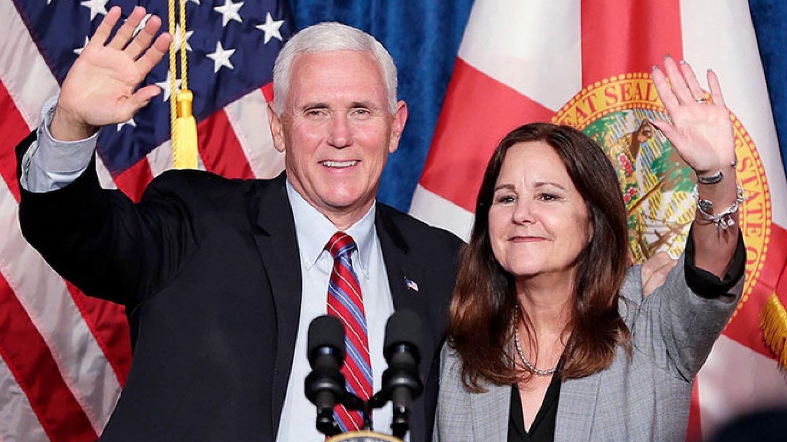 Phó Tổng thống Mỹ Mike Pence và phu nhân đều âm tính với Covid-19