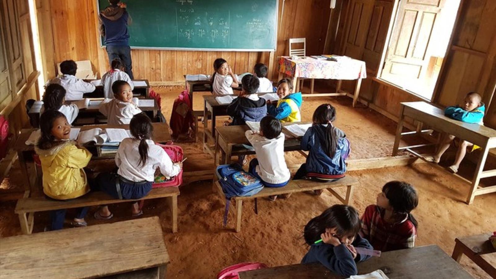 Khó tuyển giáo viên, Quảng Nam đề nghị hạ thấp tiêu chuẩn tuyển dụng