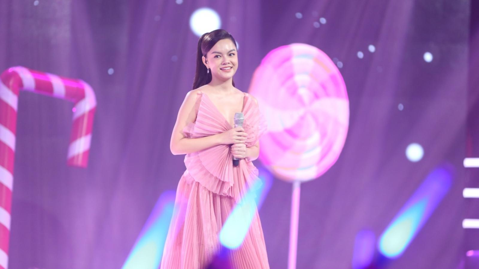 Phạm Quỳnh Anh - Nữ ca sĩ dùng âm nhạc để xoa dịu nỗi đau