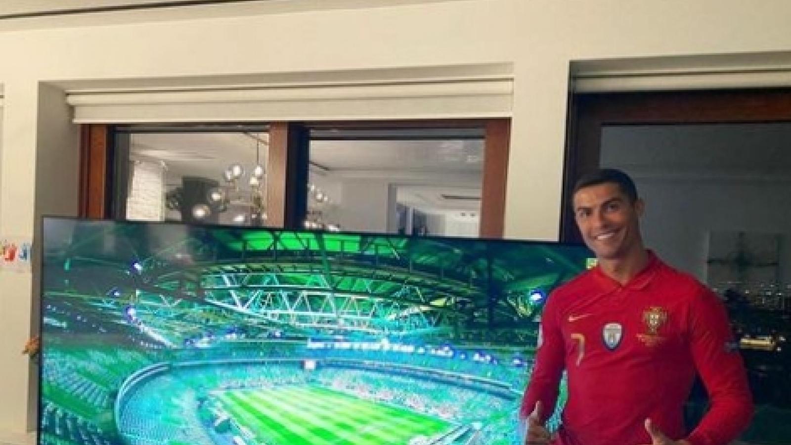 Ronaldo tỏa sáng trên mạng xã hội trong ngày Bồ Đào Nha thắng đậm Thụy Điển