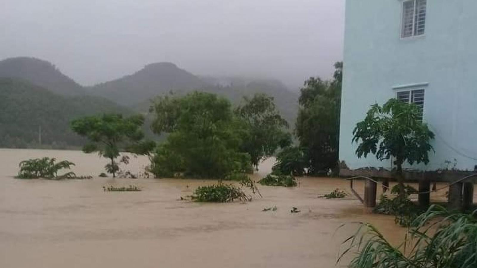 Công điện hỏa tốc của Thủ tướng yêu cầu đối phó với mưa lũ lớn tại miền Trung