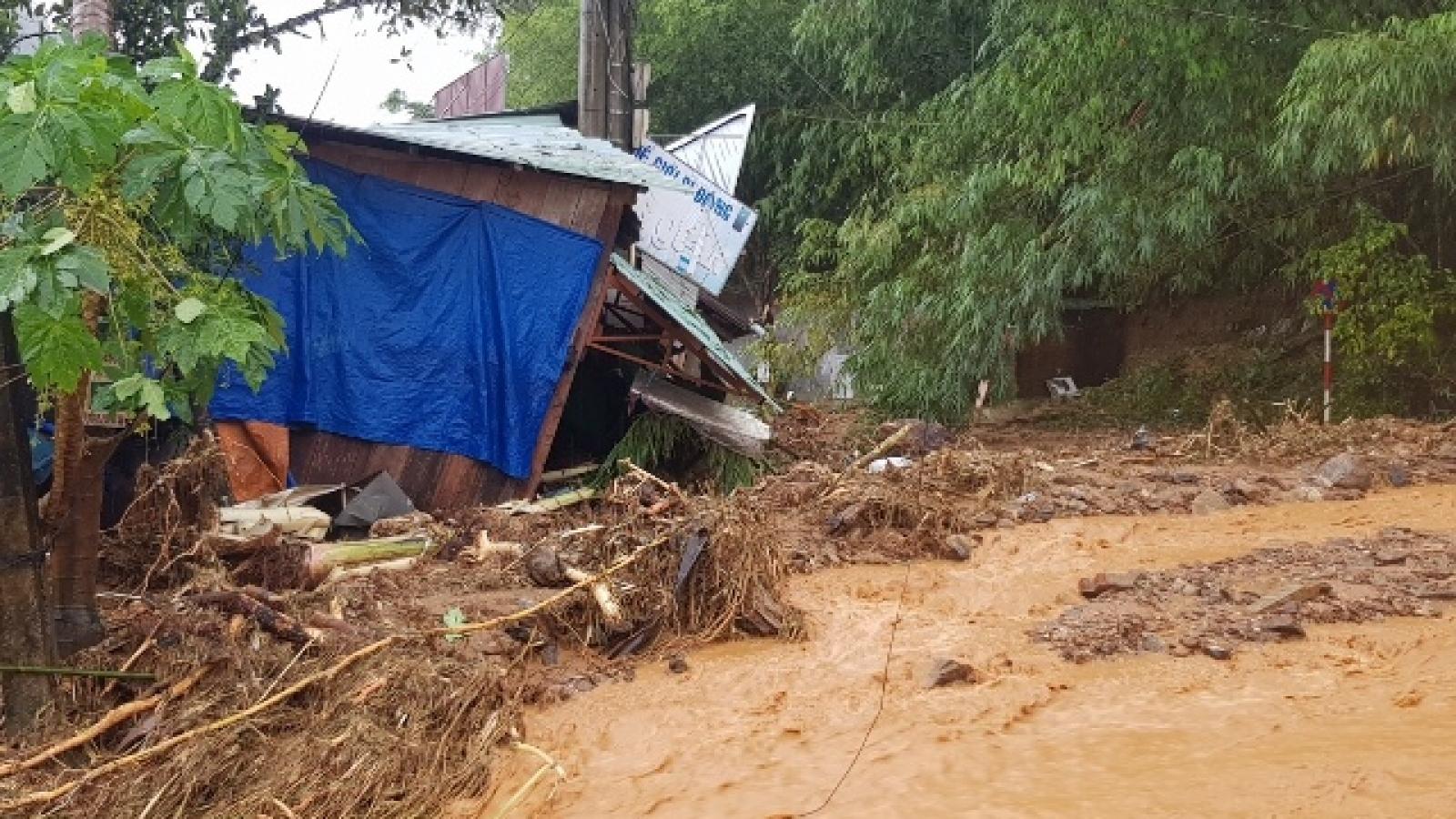 Lở đất vùi lấp nhiều người ở Quảng Nam: Thủ tướng ra công điện cứu hộ