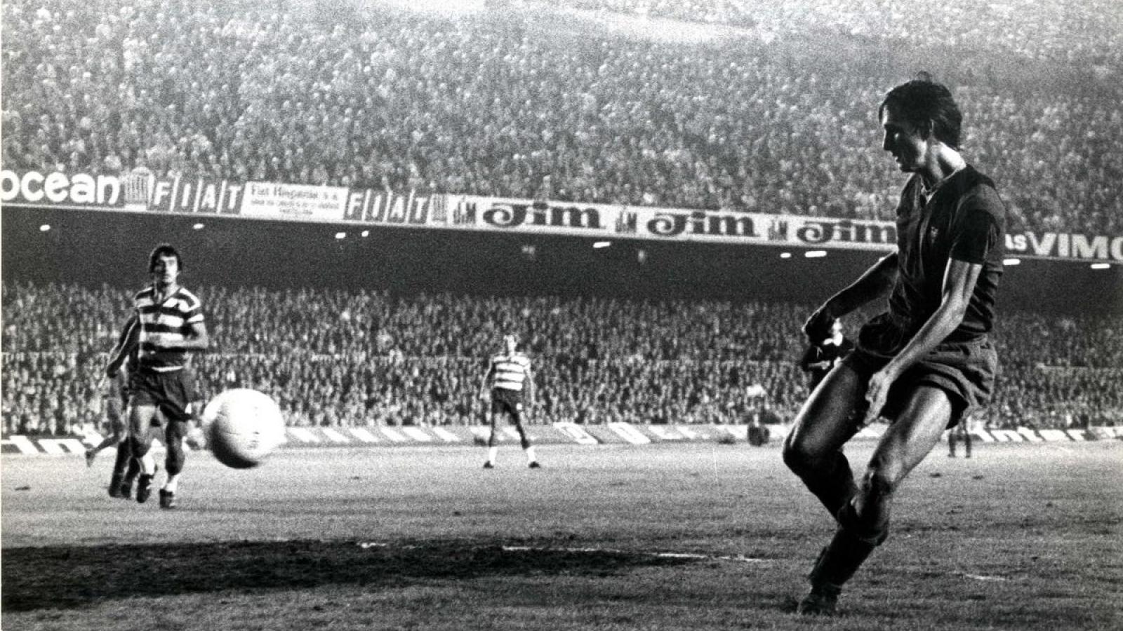 """Ngày này năm xưa: """"Thánh"""" Johan Cruyff ra mắt Barca"""