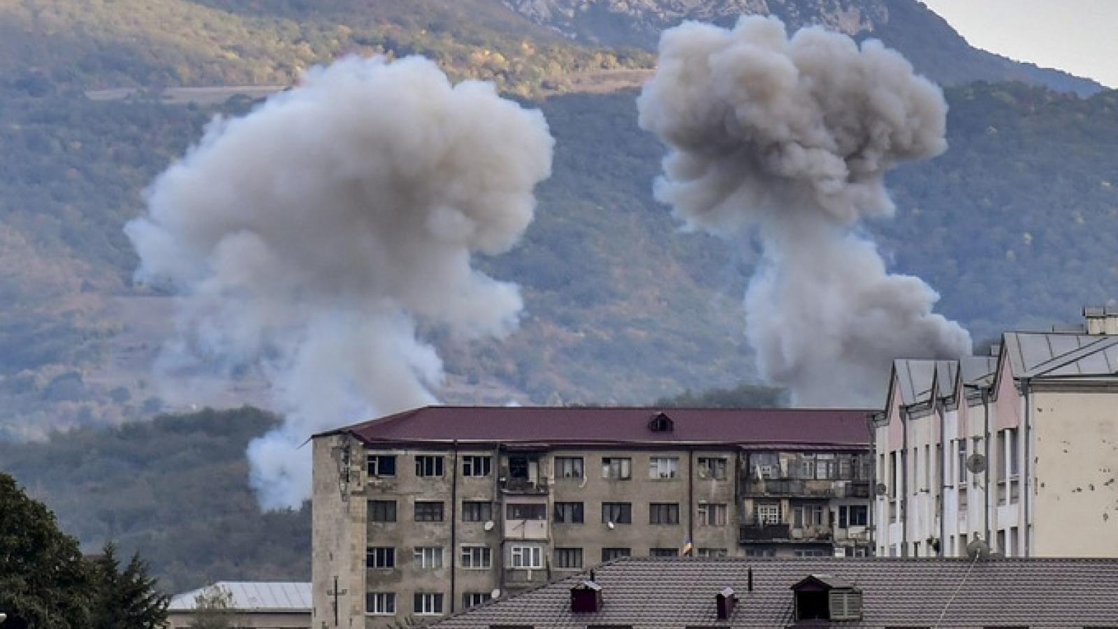"""Những vũ khí """"làm mưa làm gió"""" trong cuộc xung đột giữa Armenia và Azerbaijan"""