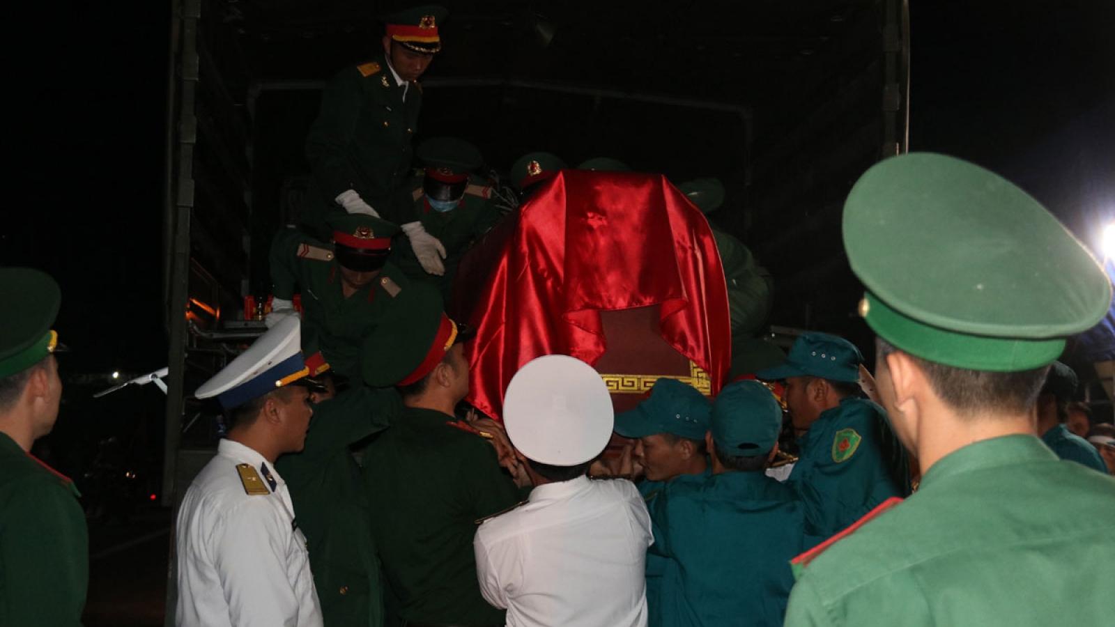 Liệt sĩ Đoàn 337: Con mệt rồi con ngủ chút bố nha, ngày mai còn cứu dân