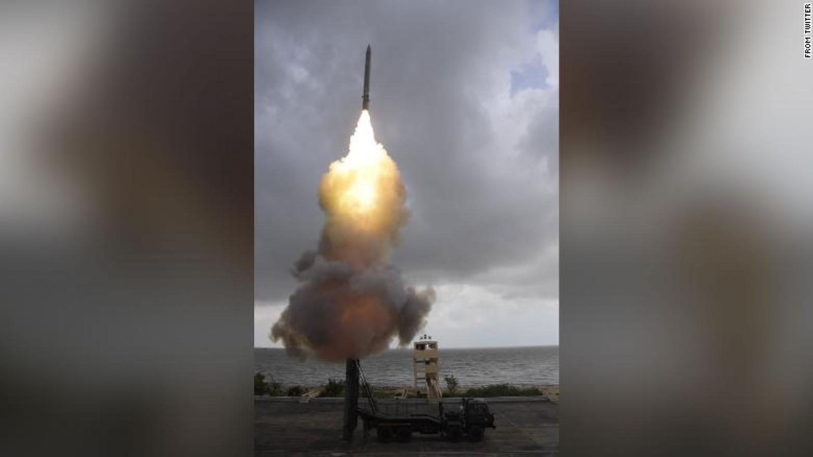 Giữa lúc căng thẳng với Trung Quốc, Ấn Độ thử thành công tên lửa siêu thanh diệt hạm