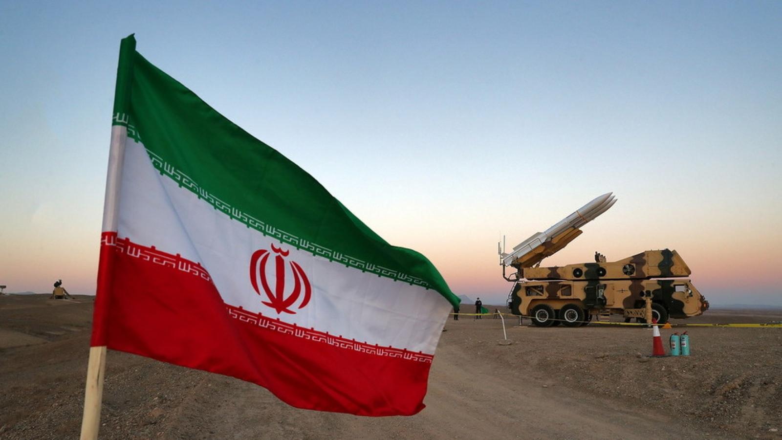 Mỹ dọa phá hủy tên lửa Iran vận chuyển tới Venezuela