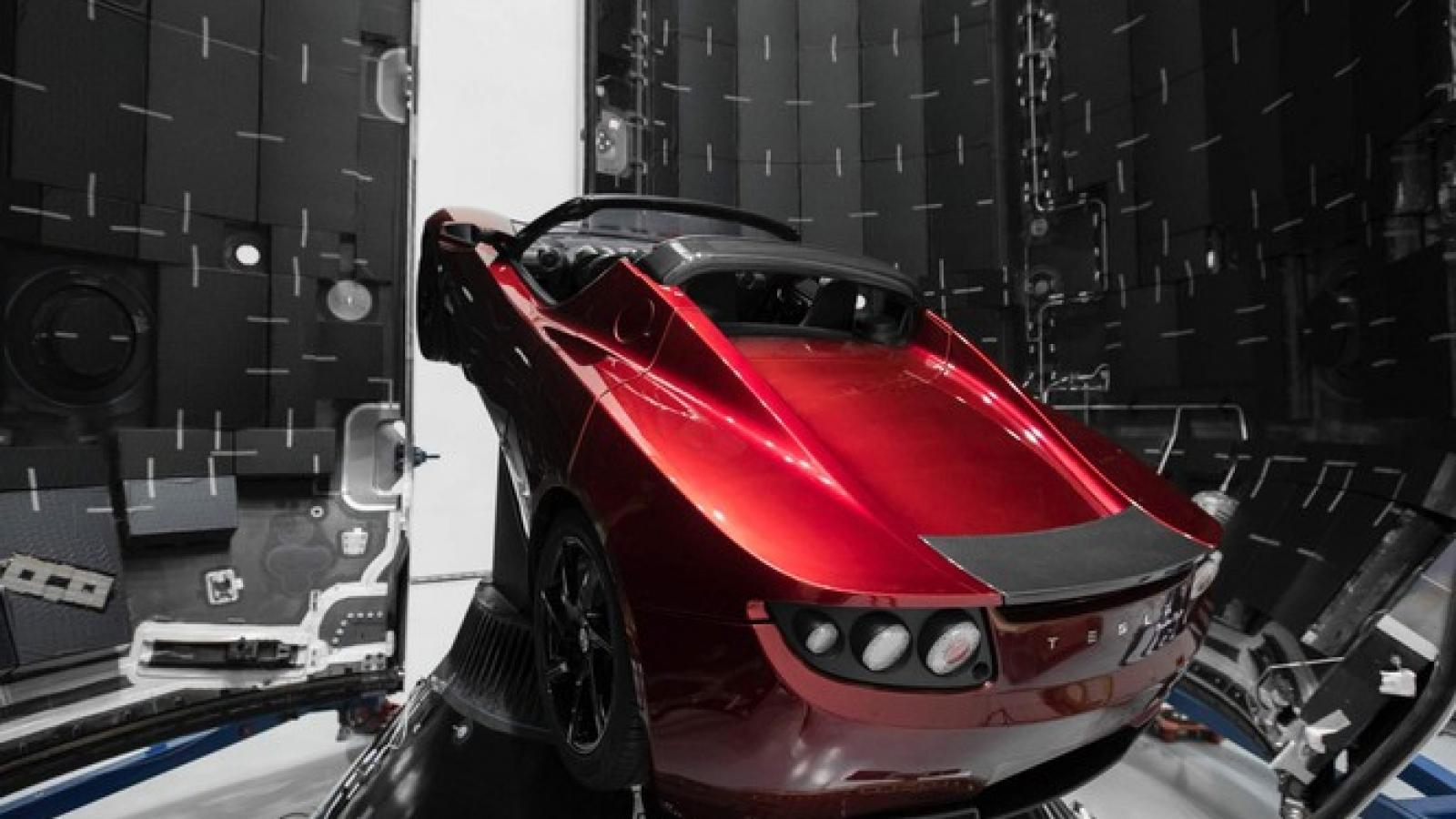 Xe điện Tesla đã tới sao Hỏa sau 2,5 năm