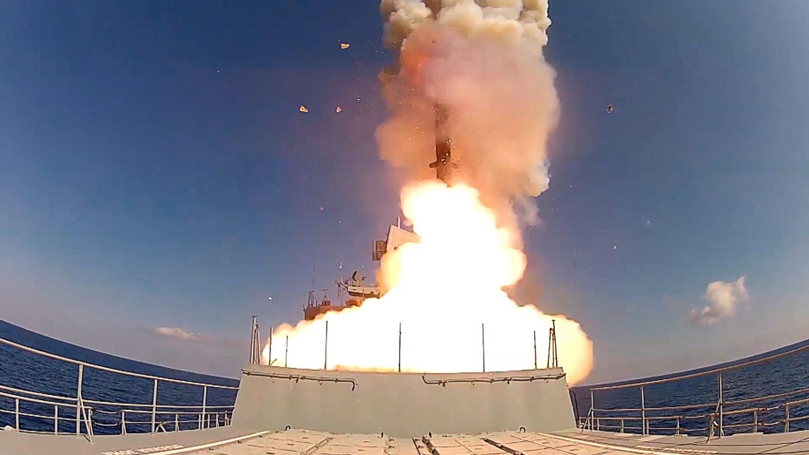 Nga thử thành công tên lửa siêu thanh Zircon nhân dịp sinh nhật ông Putin