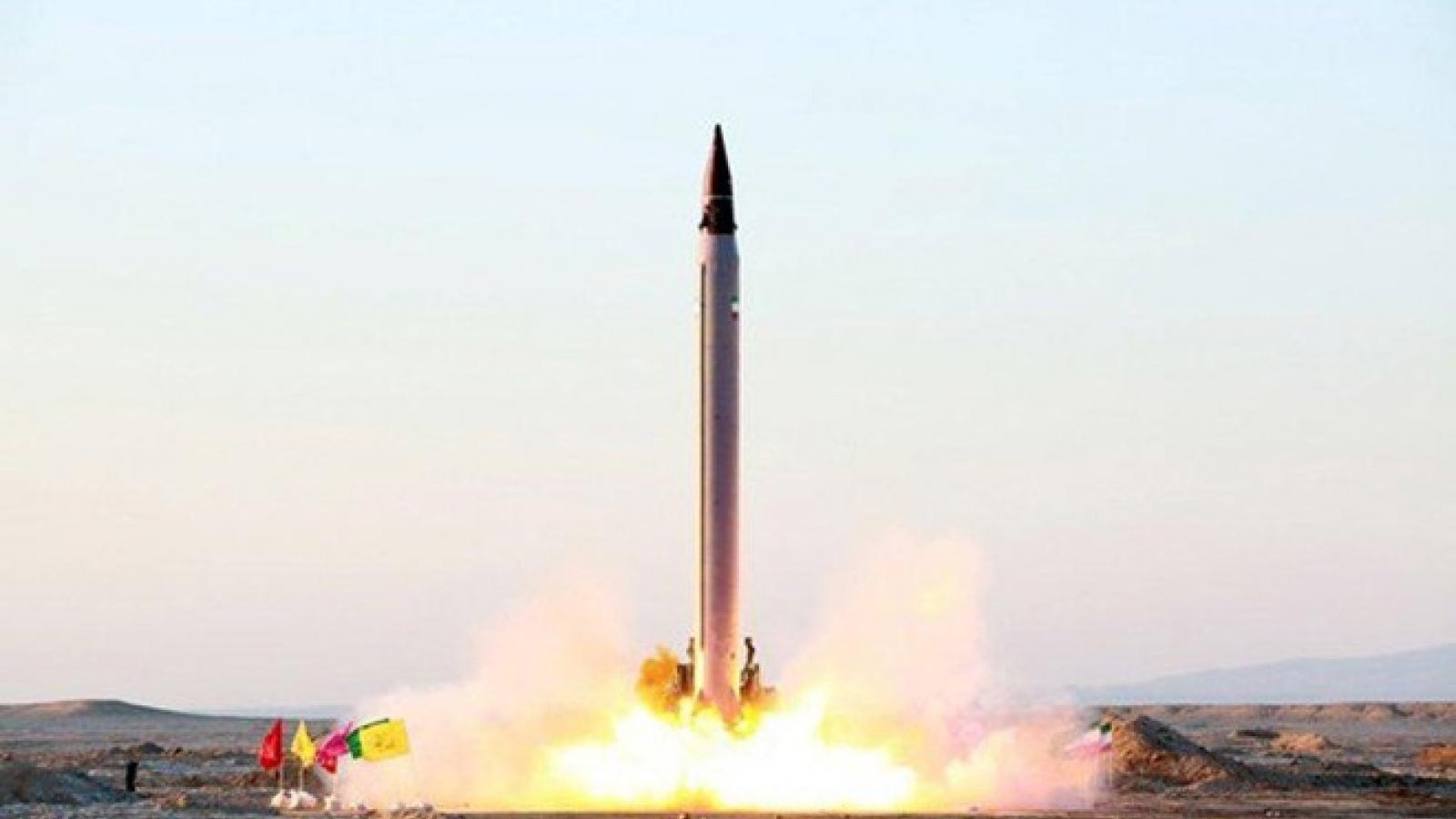 Mỹ tịch thu tên lửa của Iran, trừng phạt 11 thực thể liên quan