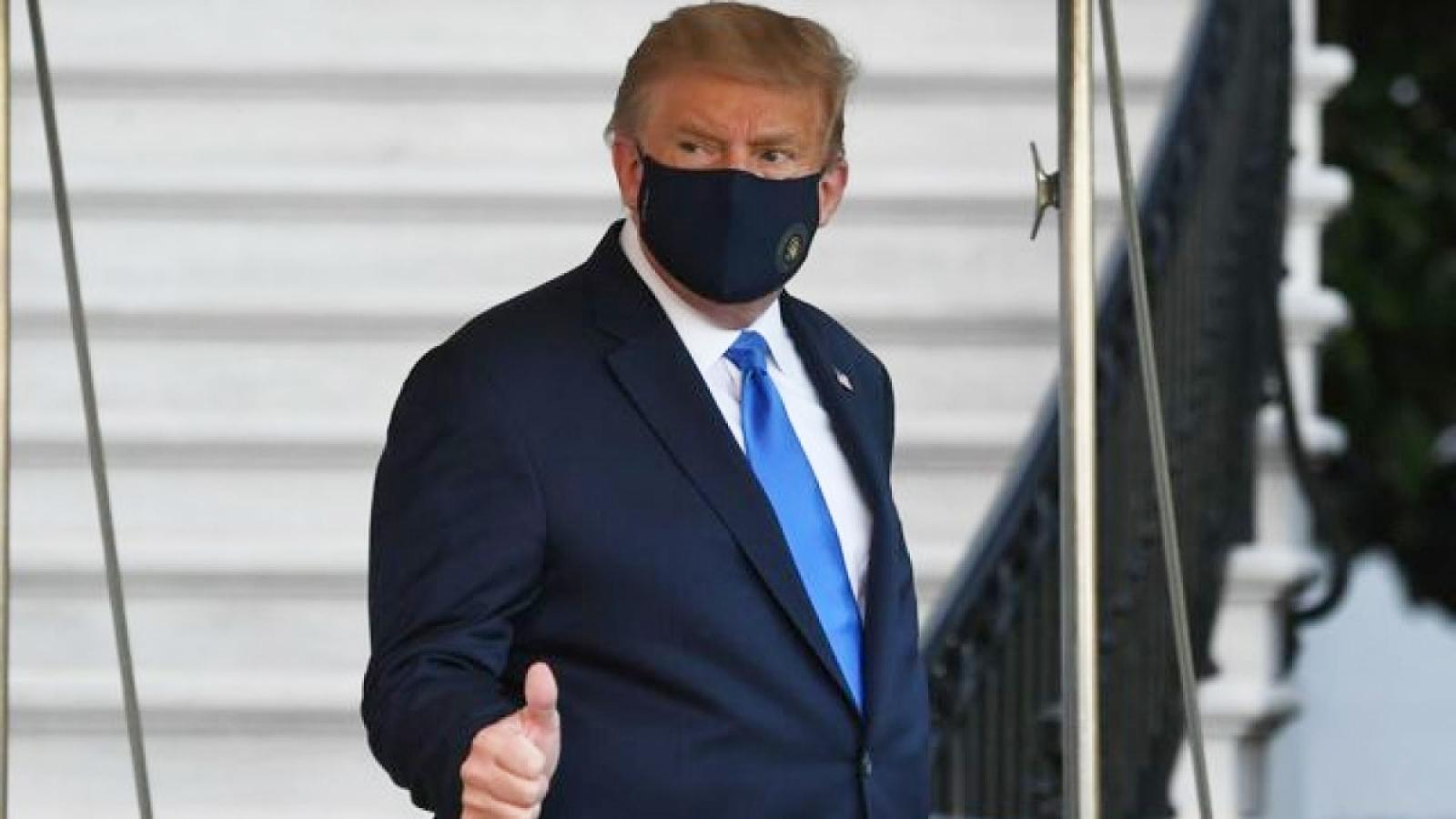 Tổng thống Mỹ không còn khả năng lây nhiễm Covid-19 ra cộng đồng