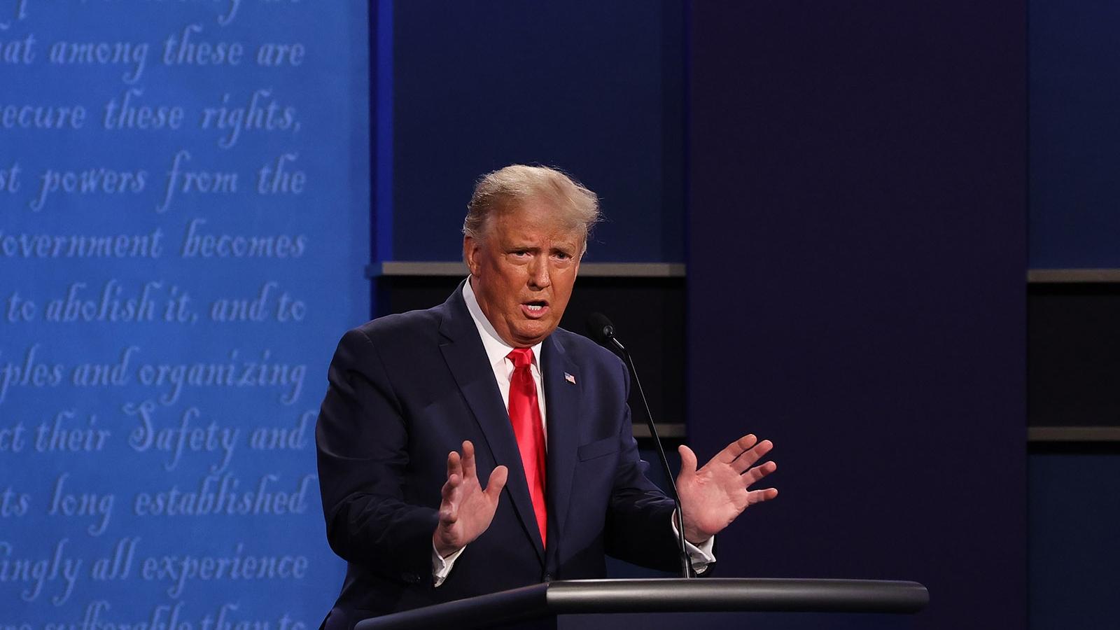 Tổng thống Trump bị tắt micro khi chưa hoàn thành câu trả lời về Obamacare