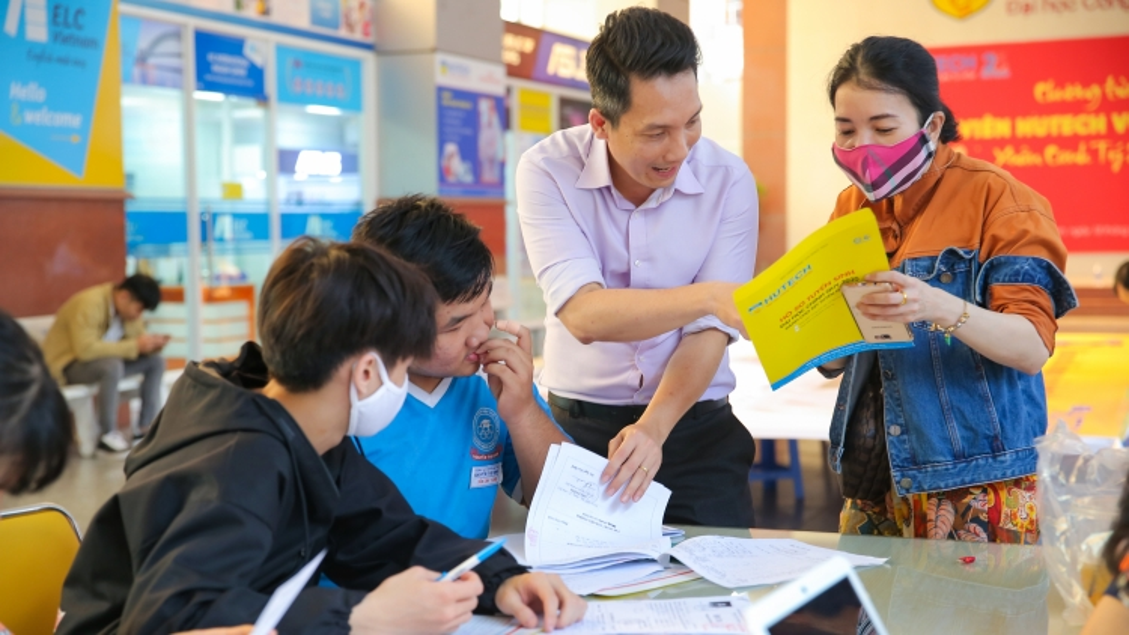 Một số trường Đại học ở TPHCM công bố điểm trúng tuyển từđiểm thi tốt nghiệp THPT