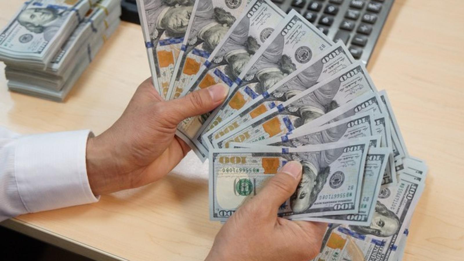 Tỷ giá USD đồng loạt giảm ở các Ngân hàng thương mại