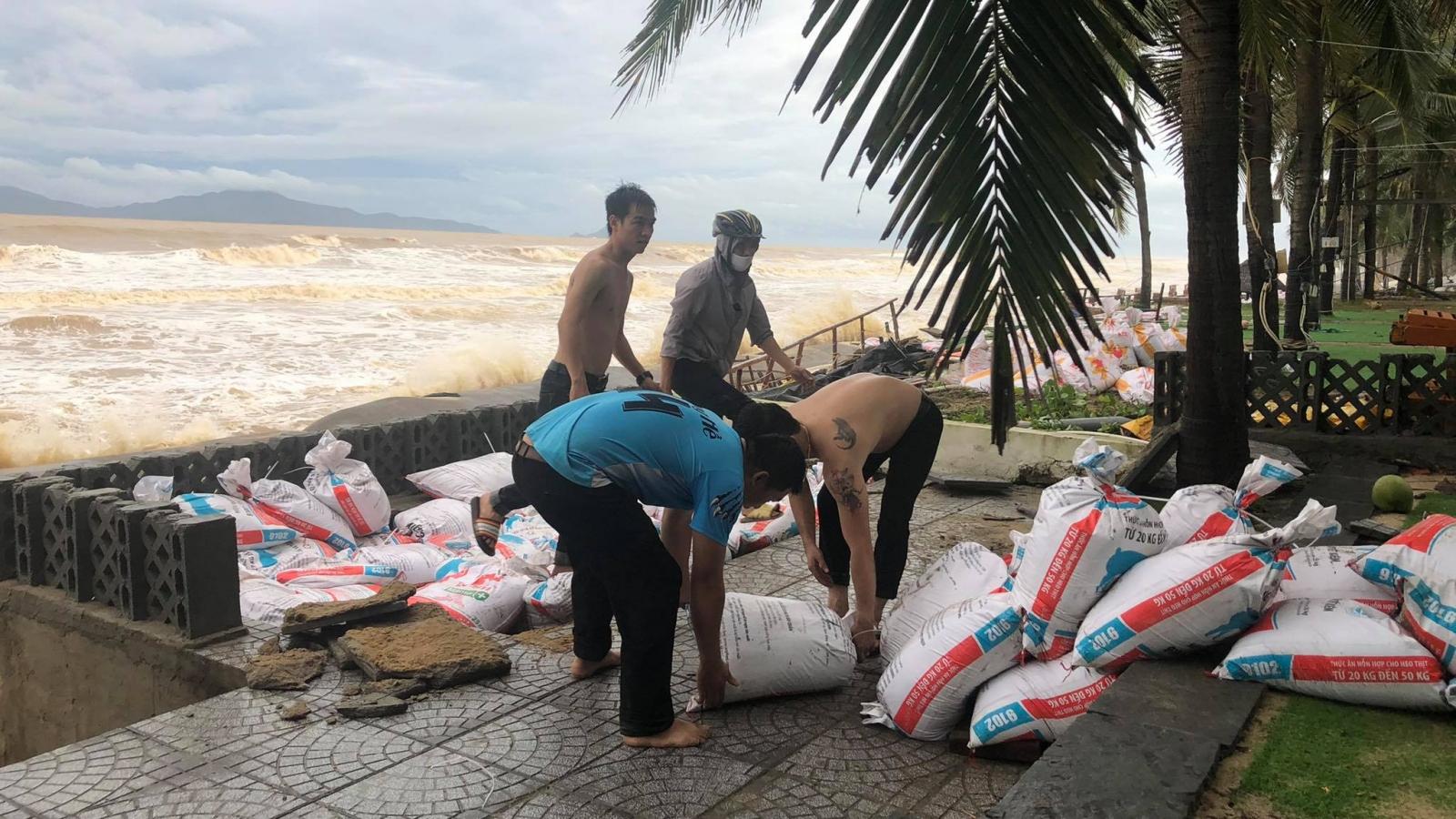 Bãi biển Cửa Đại - Hội An tiếp tục sạt lở nghiêm trọng