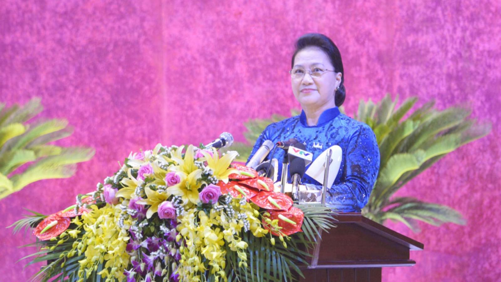 Chủ tịch Quốc hội: Hòa Bình cần lấy sự tín nhiệm của nhân dân để đánh giá cán bộ