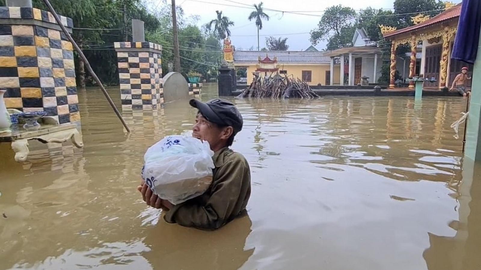Quảng Trị không để người dân bị cô lập, bị đói giữa dòng nước lũ