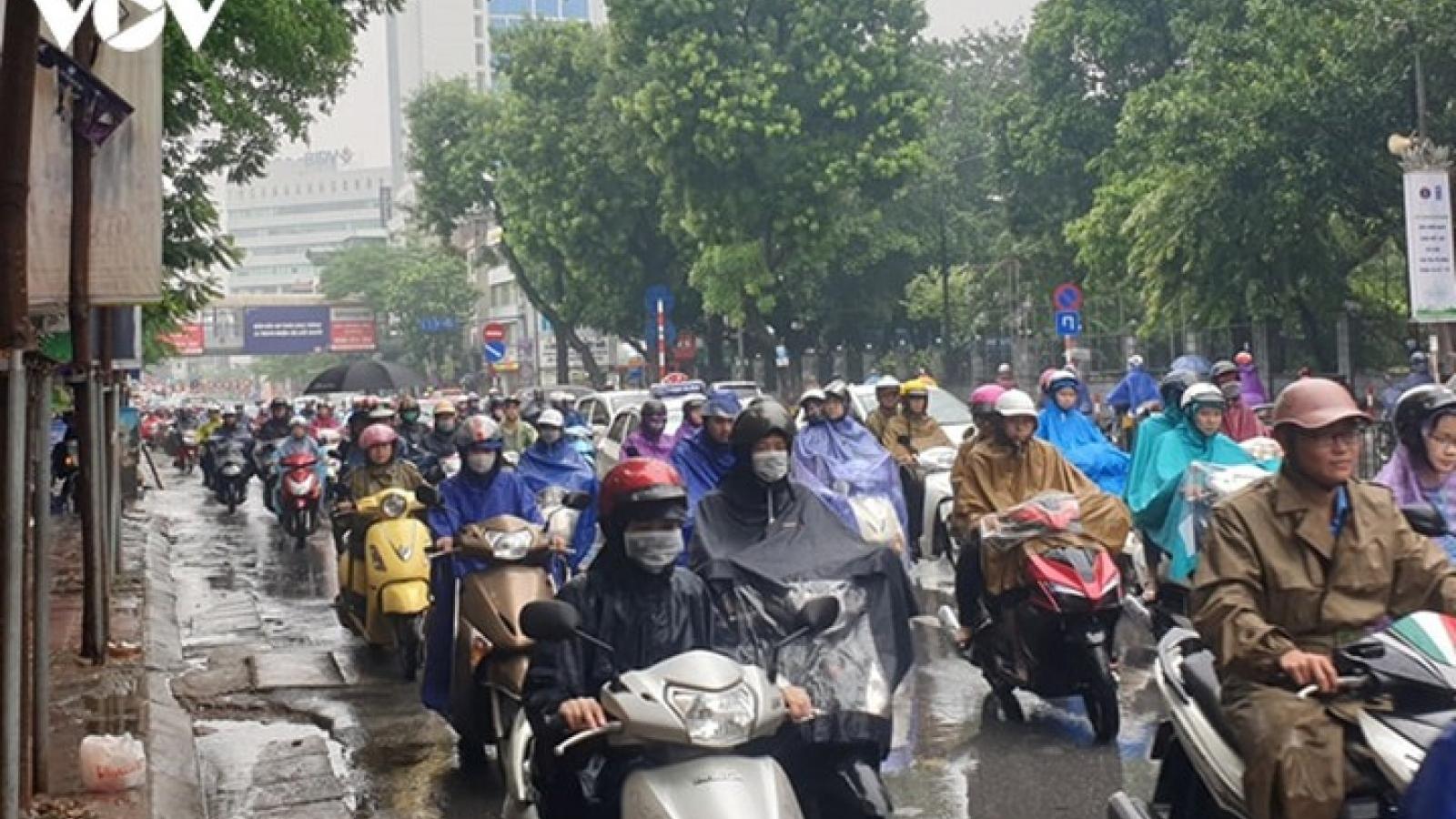 Dự báo thời tiết hôm nay: Hà Nội mưa to, trời lạnh