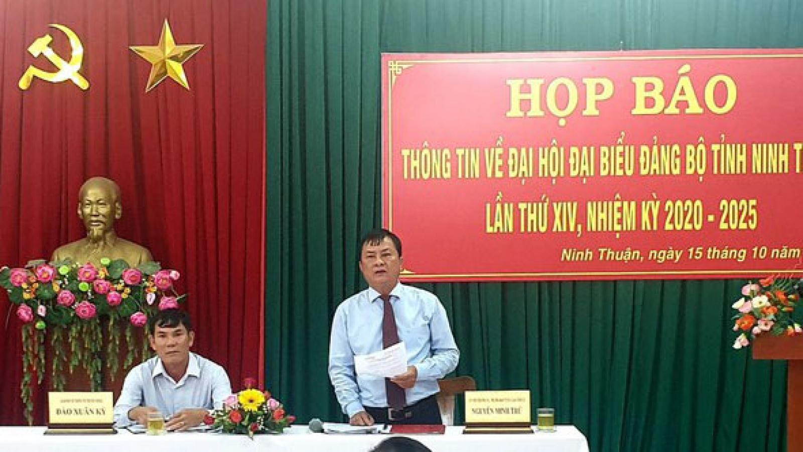 Đại hội Đảng bộ tỉnh Ninh Thuận không nhận hoa chúc mừng