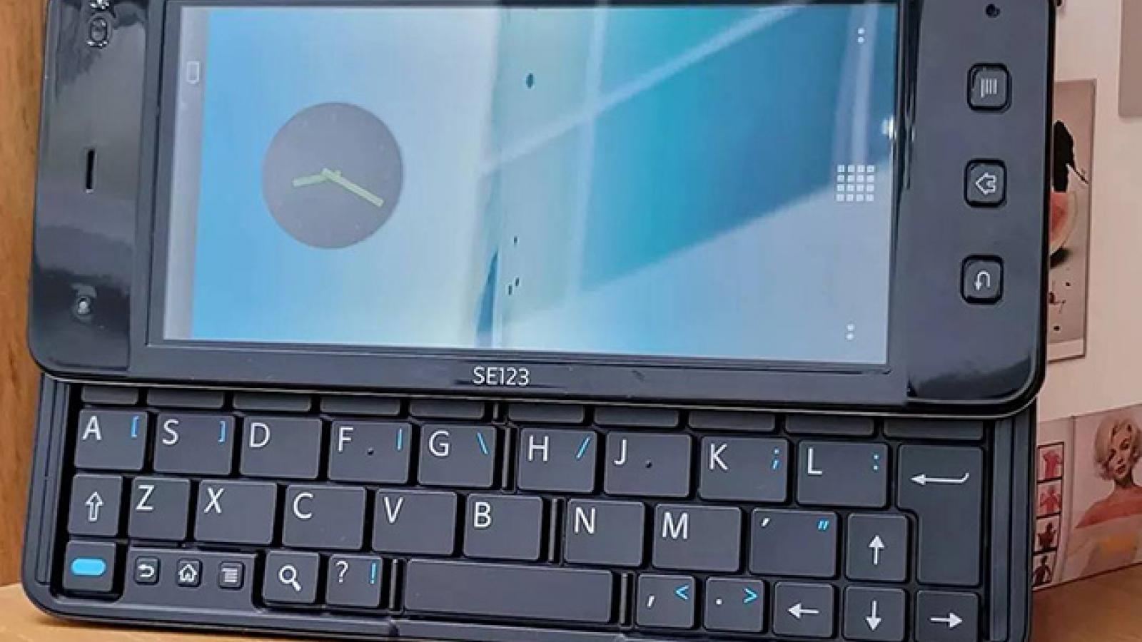 Chiếc điện thoại Sony Ericsson VAIO bất ngờ xuất hiện trở lại