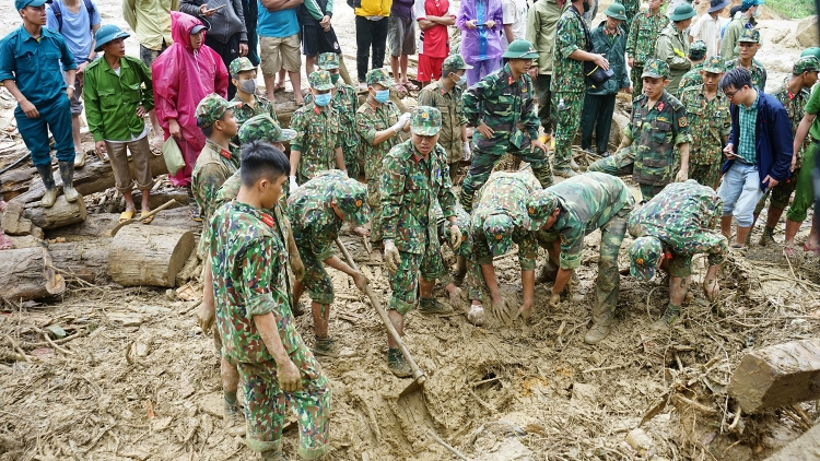 Dùng flycam cảm biến nhiệt để tìm kiếm 14 người còn mất tích tại Trà Leng