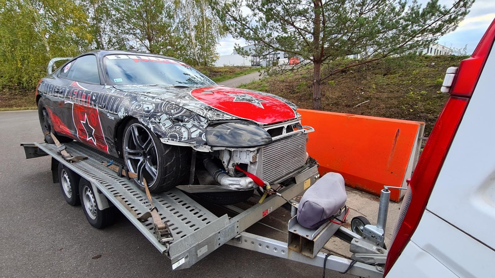 Video: Toyota Supra 1.500 mã lực gặp tai nạn trên đường đua Drag