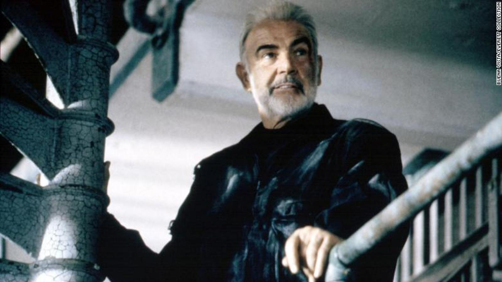"""Sean Connery - """"Điệp viên 007"""" đầu tiên trên màn ảnh qua đời ở tuổi 90"""