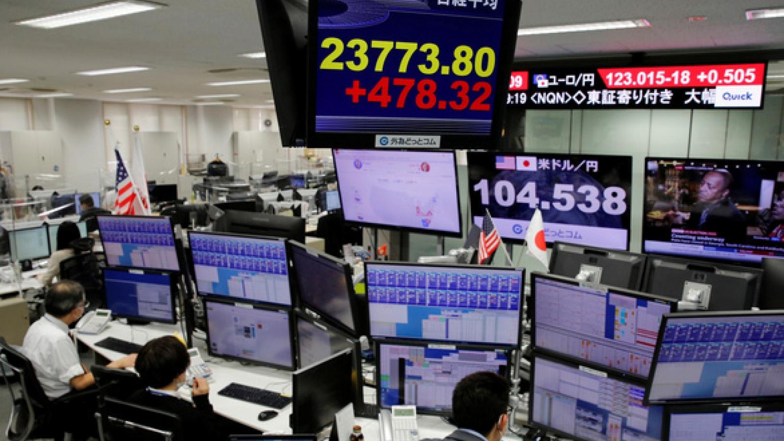Thị trường chứng khoán nín thở chờ kết quả bầu cử Tổng thống Mỹ
