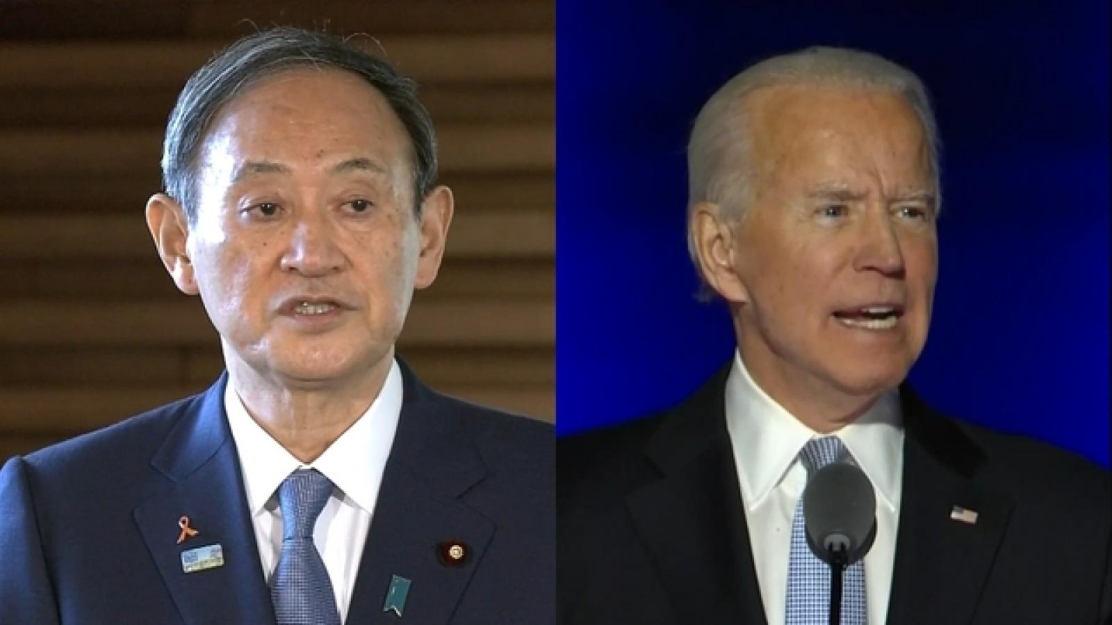 Thủ tướng Nhật Bản điện đàm với ông Joe Biden
