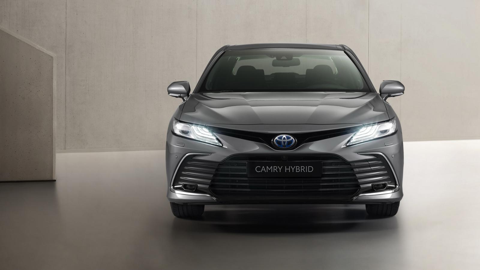 Toyota Camry Hybrid 2021 bản nâng cấp ra mắt thị trường châu Âu