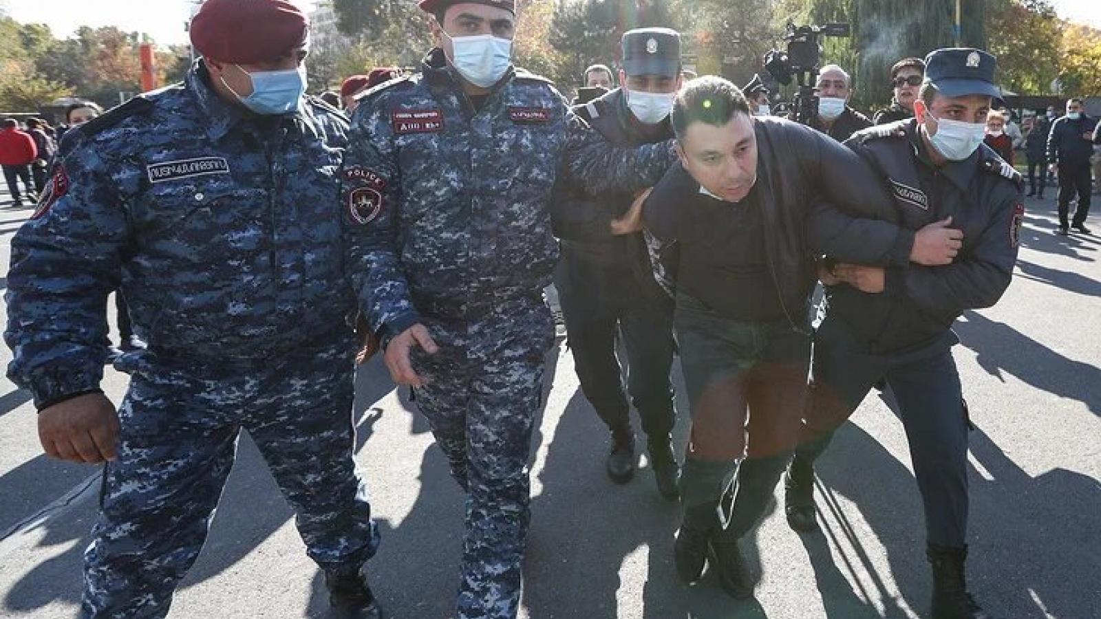 Biểu tình đòi Thủ tướng Armenia từ chức diễn ra ở thủ đô Yerevan