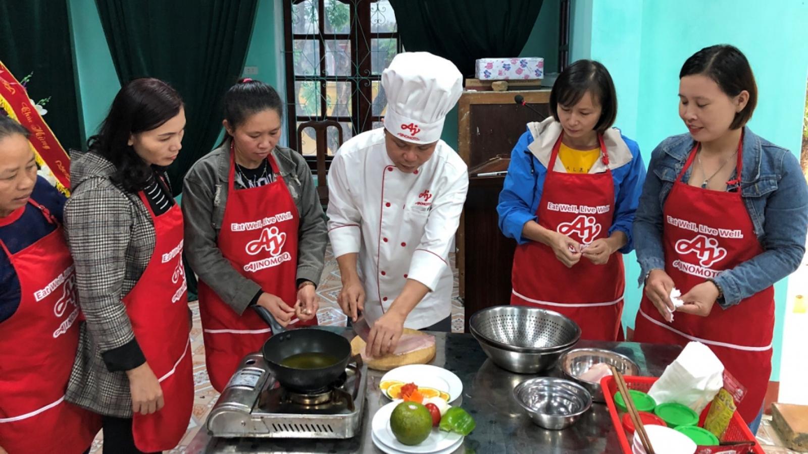 """Bữa cơm gia đình chuẩn vị với """"lớp học nấu ăn cùng Ajinomoto"""""""