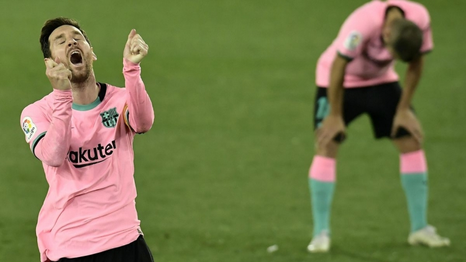 Messi mờ nhạt, Barca hòa thất vọng Alaves