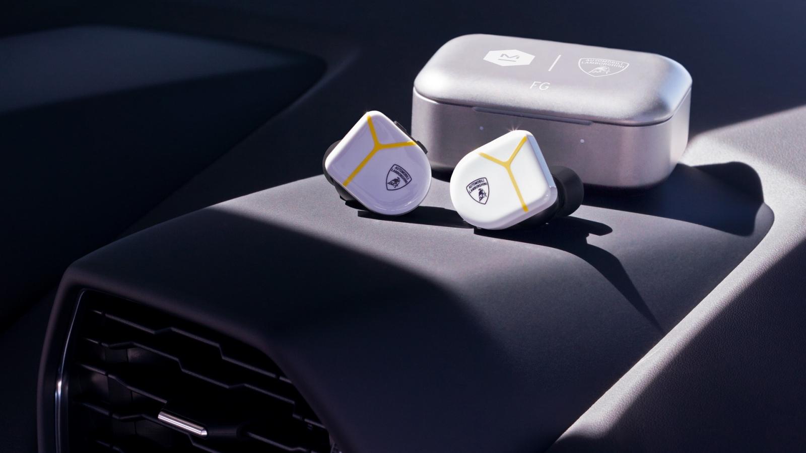 Tai nghe không dây chống ồn lấy cảm hứng từ những chiếc siêu xe nước Ý