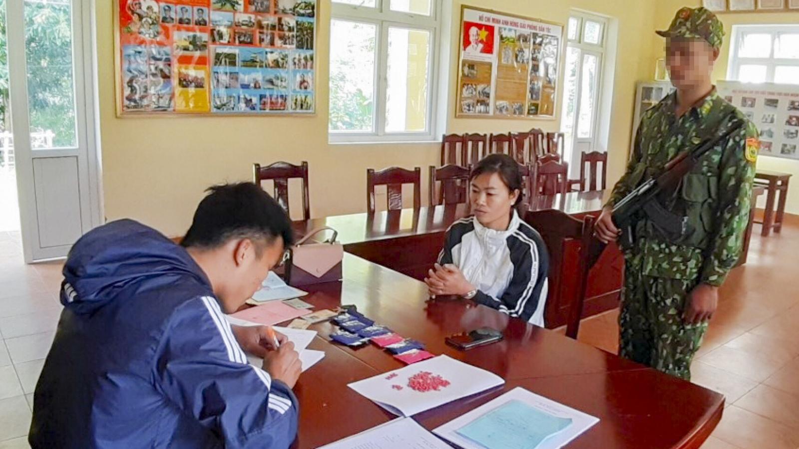 Điện Biên: Bắt giữ một nữ giới vận chuyển trái phép 1.400 viên ma túy tổng hợp