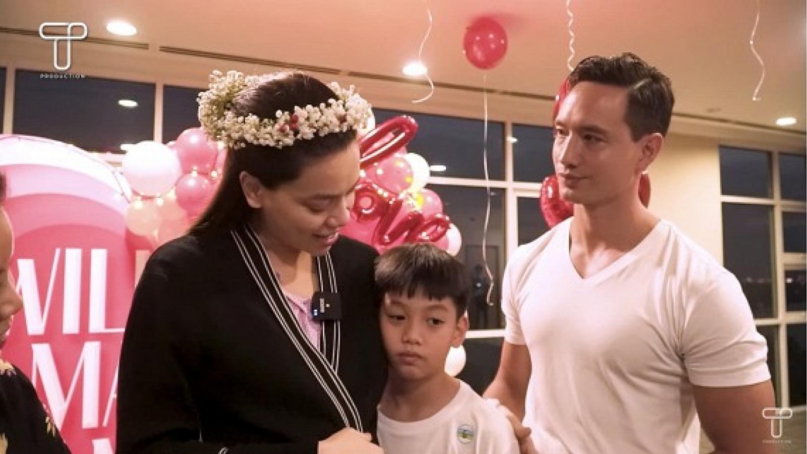 Chuyện showbiz: Hồ Ngọc Hà lần đầu chia sẻ cảm xúc sau màn cầu hôn ngôn tình của Kim Lý