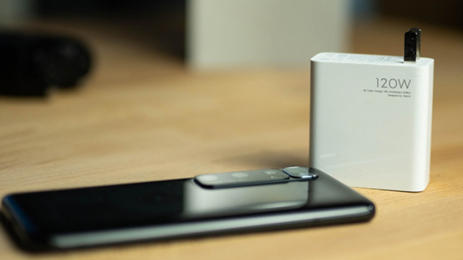 Xiaomi phát triển công nghệ sạc nhanh gấp 10 lần iPhone 12