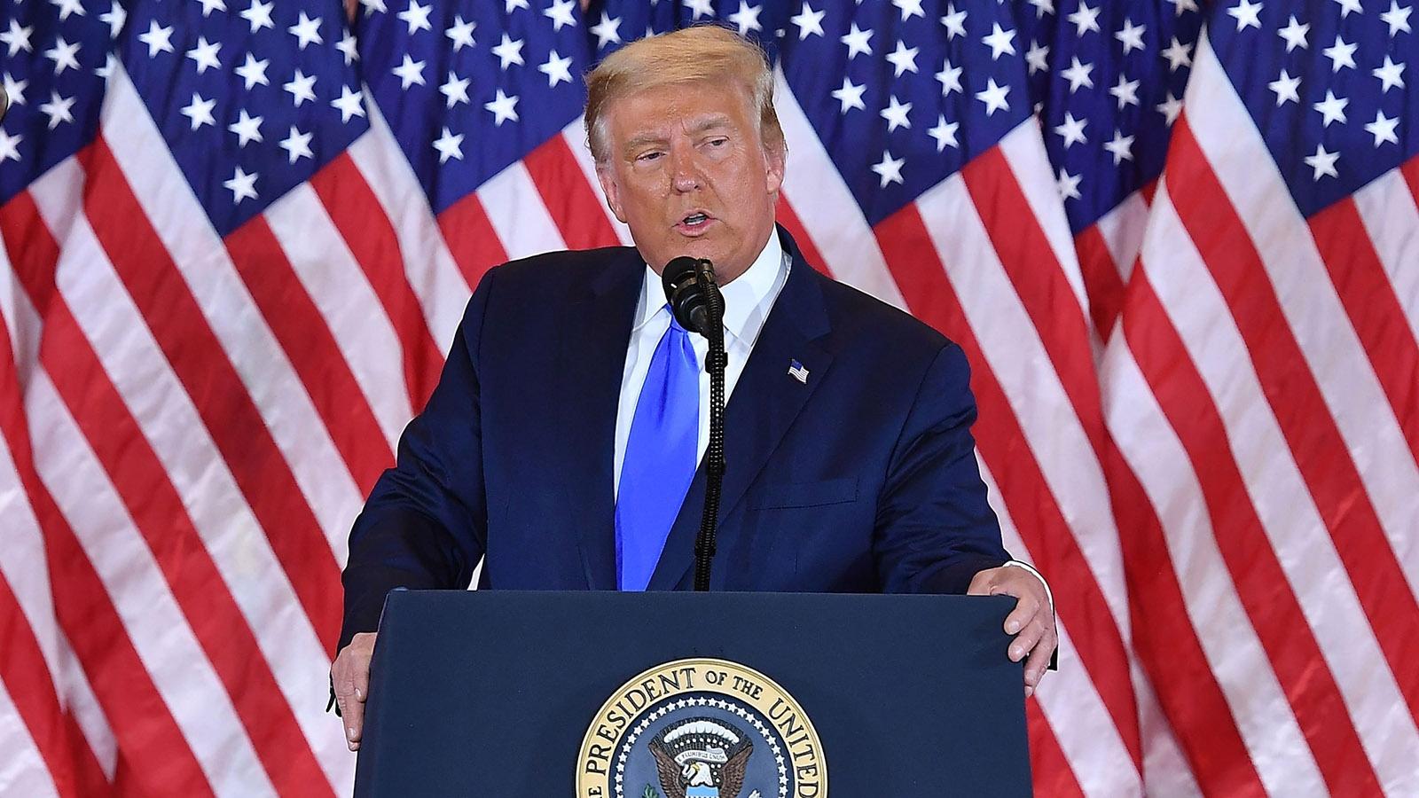 Cuộc đua sát nút vào Nhà Trắng và phản ứng đầu tiên của 2 ứng viên Tổng thống Mỹ