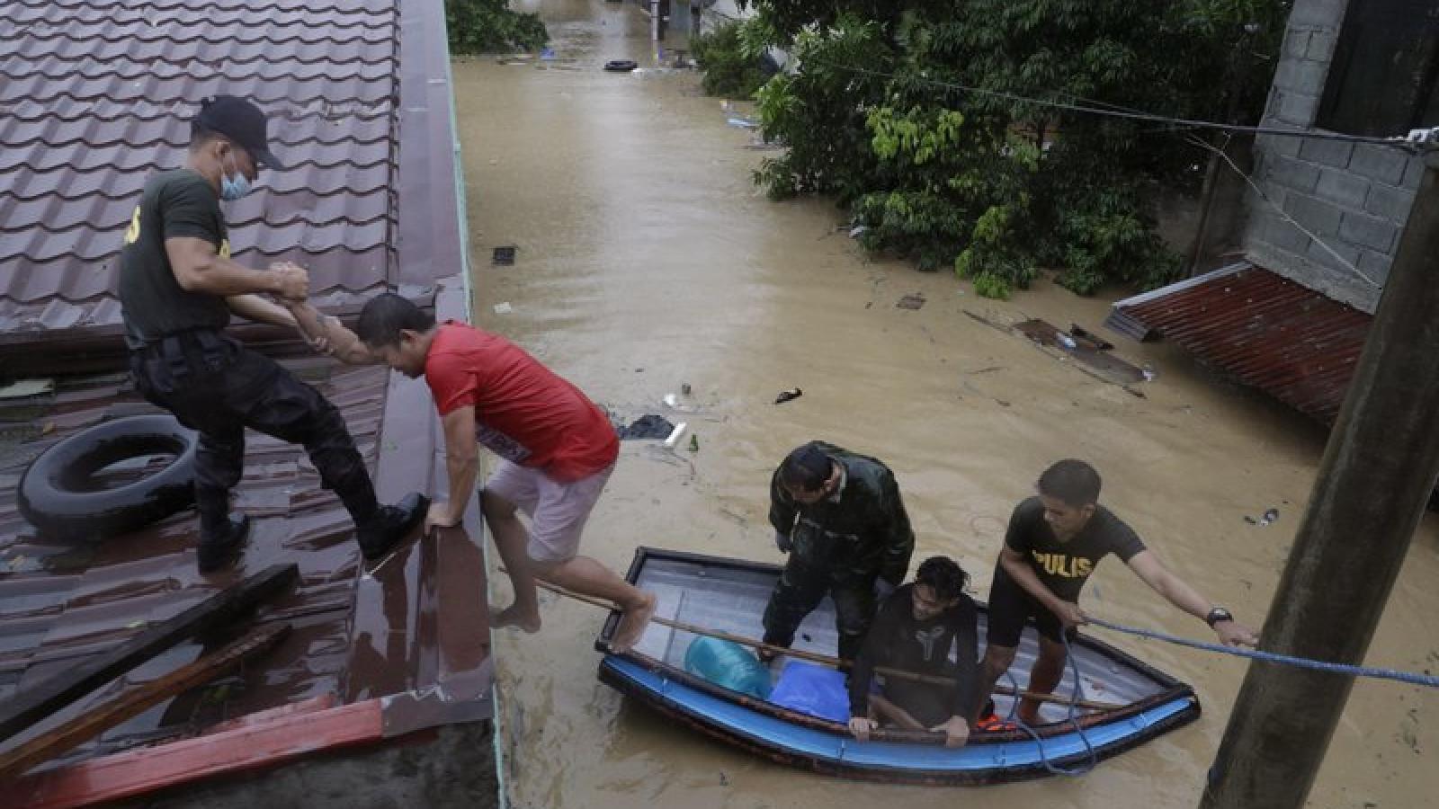 Thủ đô Manila của Philippines chứng kiến trận lụt tồi tệ nhất trong nhiều năm do bão Vamco