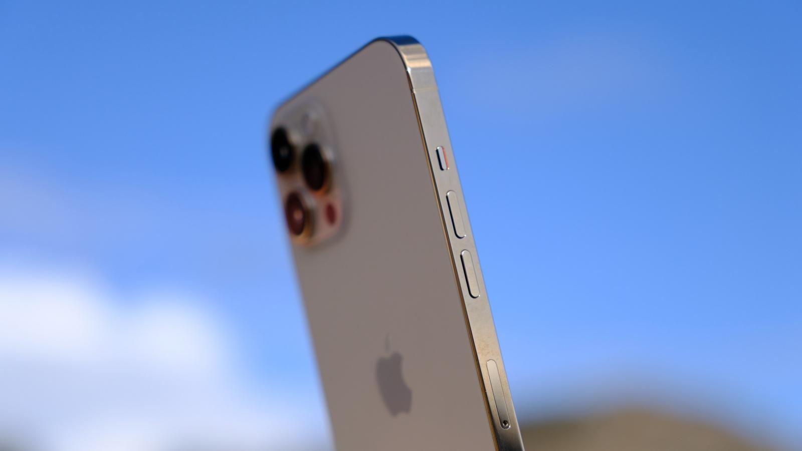 Vén màn cách tiếp cận thiết kế máy ảnh của Apple với iPhone 12