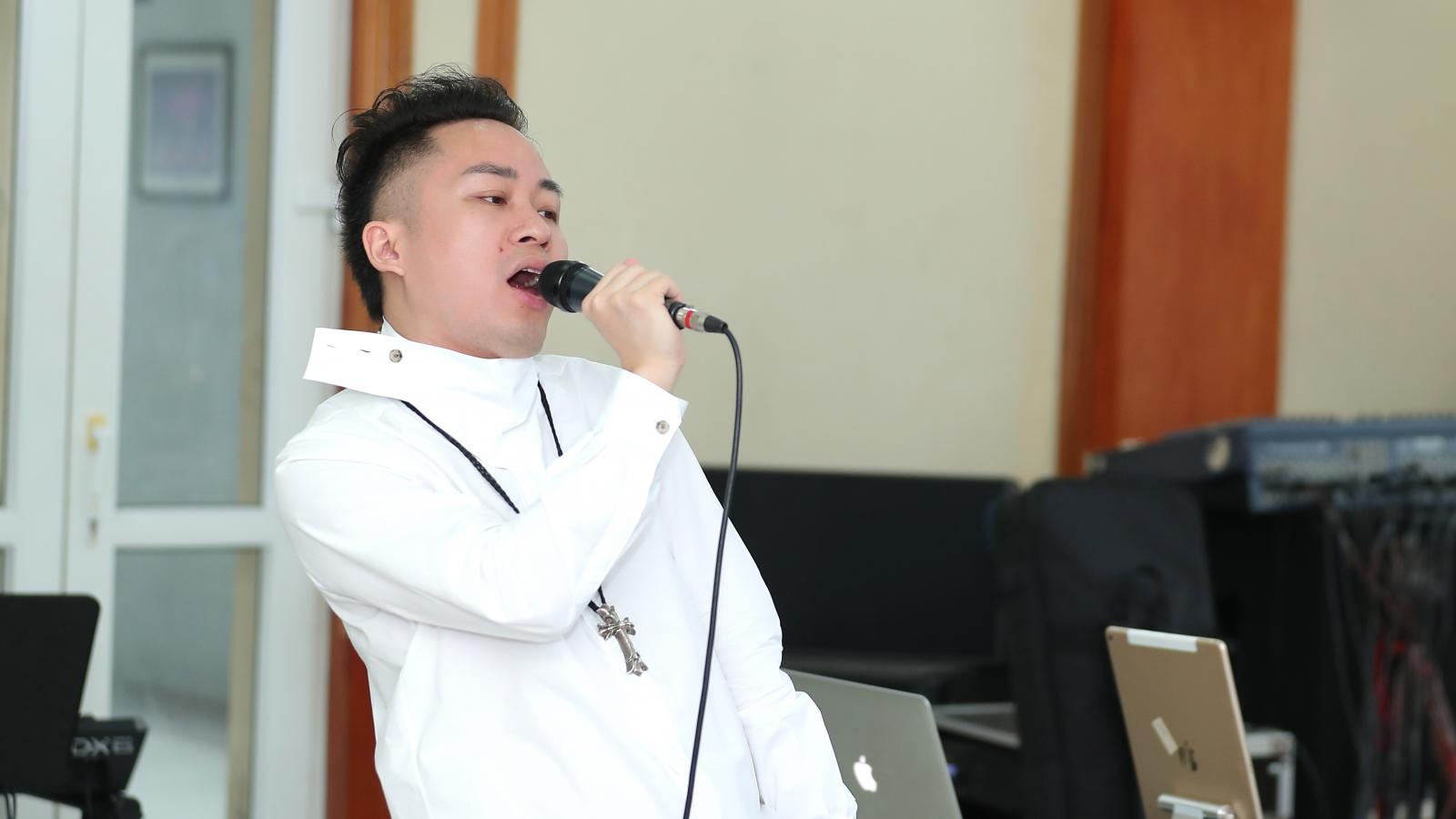 Tùng Dương say mê tập nhạc bên Hà Trần, Ngọt và Bùi Lan Hương