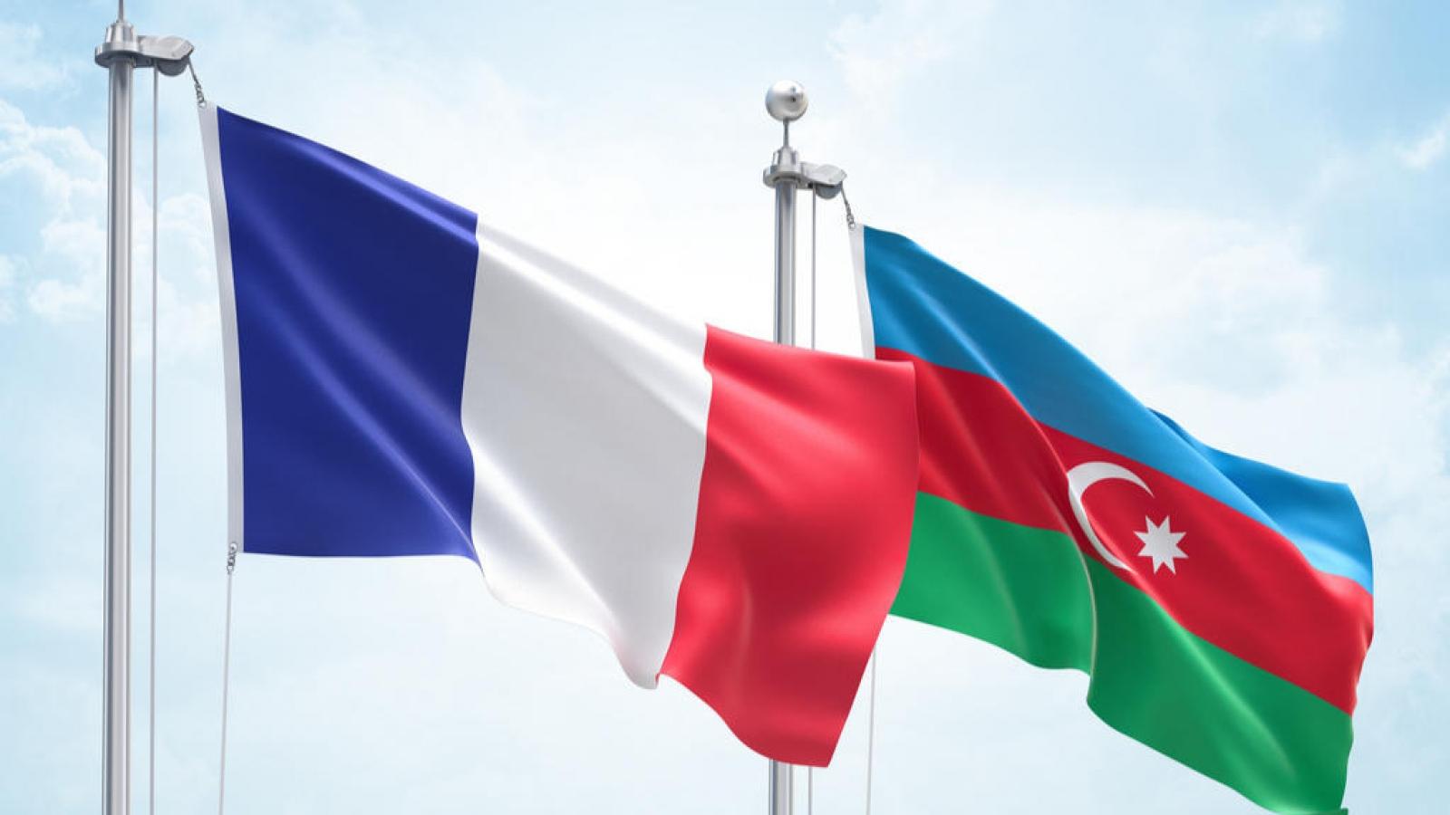 Ngoại trưởng Azerbaijan và Pháp trao đổi về lệnh ngừng bắn ở Nagorno-Karabakh