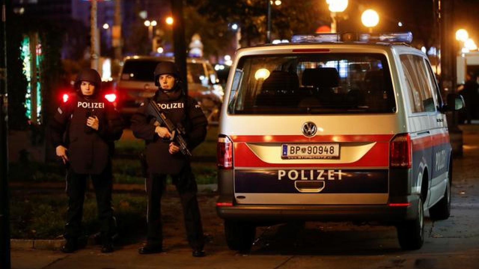"""Tấn công khủng bố tại Áo: """"Đêm ác mộng"""" trước ngày tái phong tỏa"""
