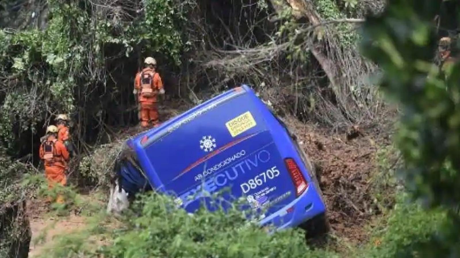 Tai nạn giao thông nghiêm trọng ở Brazil khiến ít nhất 40 người thiệt mạng