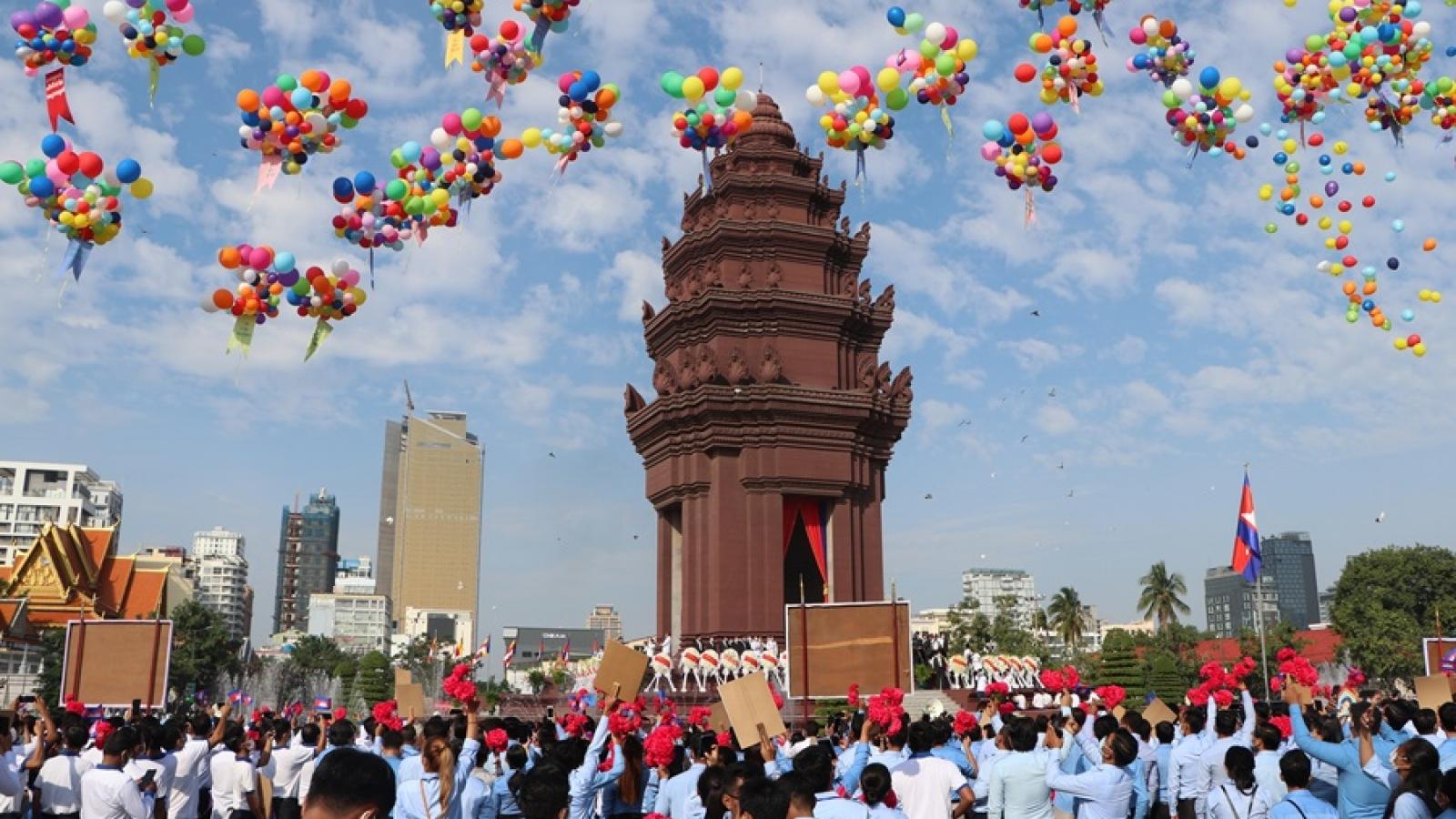Campuchia kỷ niệm hoành tráng Quốc khánh thứ 67 giữa đại dịch Covid-19
