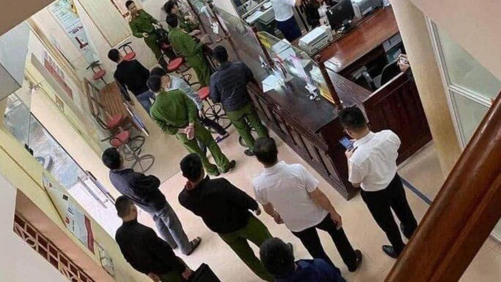 Bắt nghi phạm cướp ngân hàng ở Hòa Bình khi đang lẩn trốn ở Hà Nội