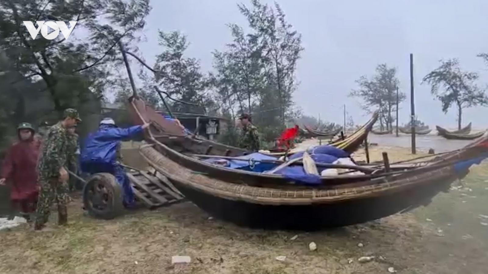 Quảng Trị quyết liệt di dời hàng chục nghìn hộ dân tránh bão